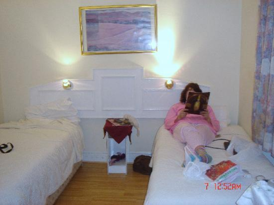 Royal Bayswater Hostel: TWIN ROOM