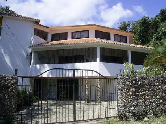 Casa Colina Apartments