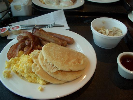 breakfast buffet picture of embassy suites by hilton niagara falls rh tripadvisor co nz