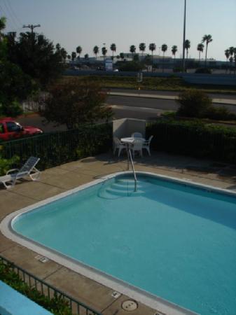 Motel 6 McAllen: Pool & Mall del Norte