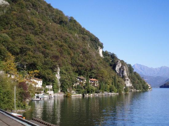 ลูกาโน, สวิตเซอร์แลนด์: A trail to walk along Lake Lugano