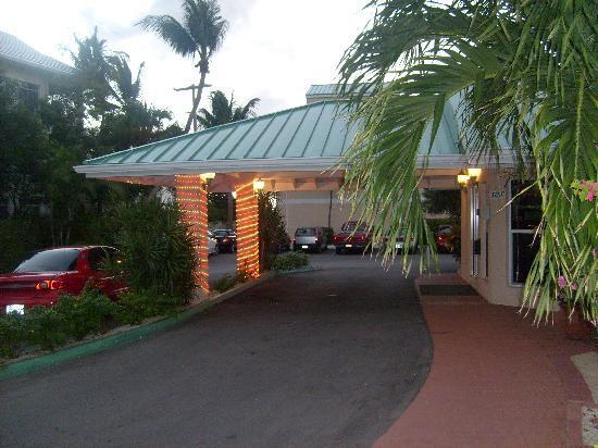 Plantation Village Beach Resort: Plantation Village Main Office