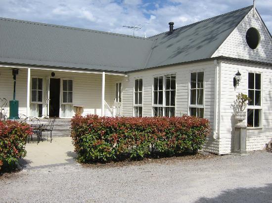 Glen Isla House: Outside view of breakfast room