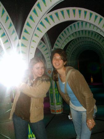 Amazing Mirror Maze : Inside the maze (It was so much fun, and so many laughs)