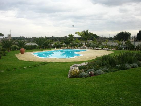 Lu Casale B&B : piscina