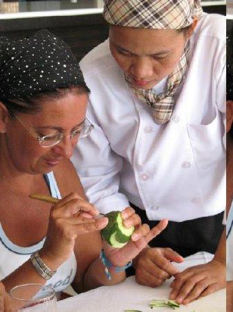 Benyada Lodge: Hotel Fruit Carving Training Activity2
