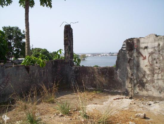 Liberia: Bullet riddled wall in Monrovia - residue of 14 year civil war