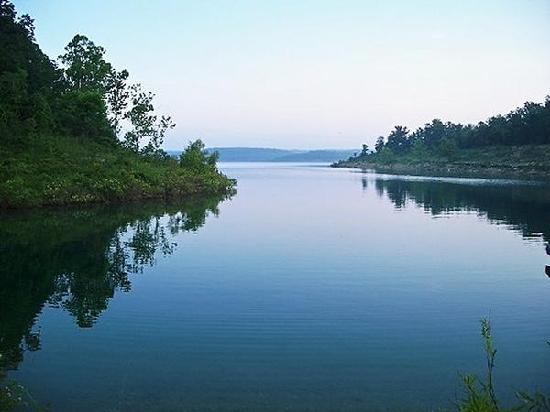 อาร์คันซอ: Bull Shoals Lake from Rocky Hollow Lodge