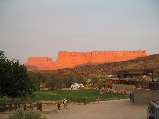 hotel review reviews cliffs lodge moab utah