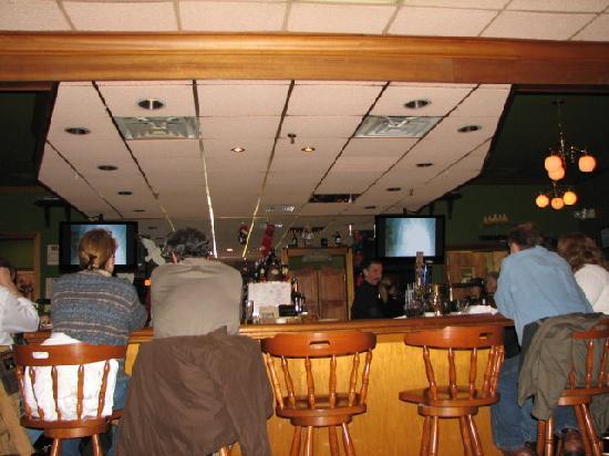 Nephew's Italian/American Kitchen: Bar area
