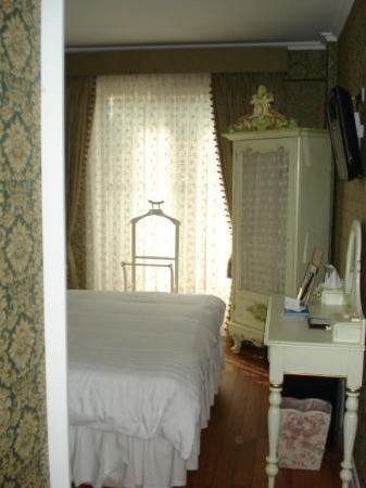 Amisos Hotel: Room 2