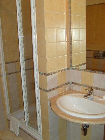 Senacki Hotel: Room 103