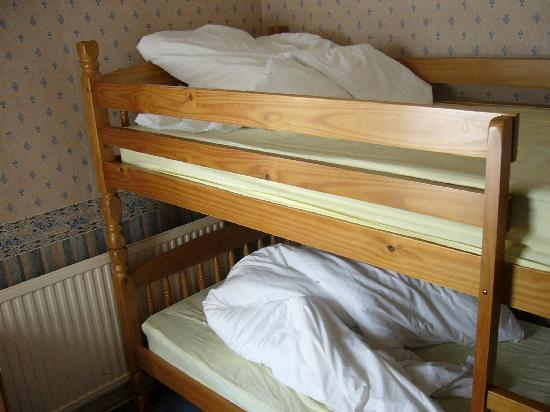 Surfers Hotel: Bunk beds