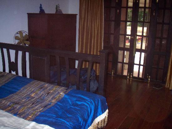 The Apsara : Room