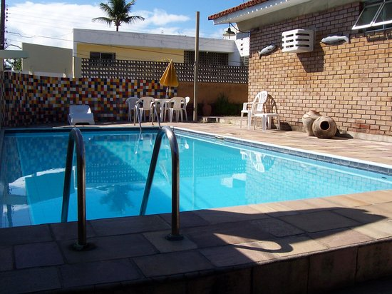 Pousada Casuarinas: la piscine