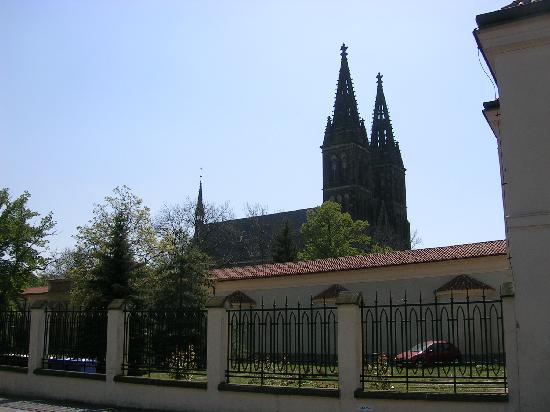 Hotel Coronet : Vysehrad Cathedral