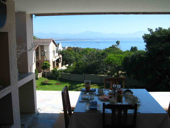 Linkside2 Guest house: The View from your Breakfast Table