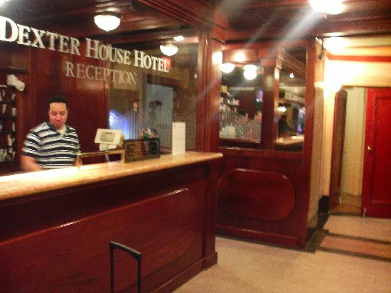 Dexter House Hostel: Reception