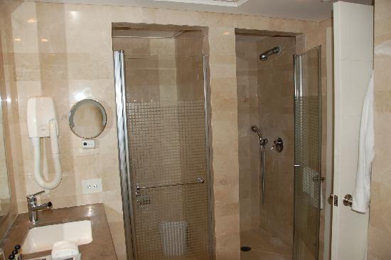 Dan Accadia Hotel Herzliya: Bathroom