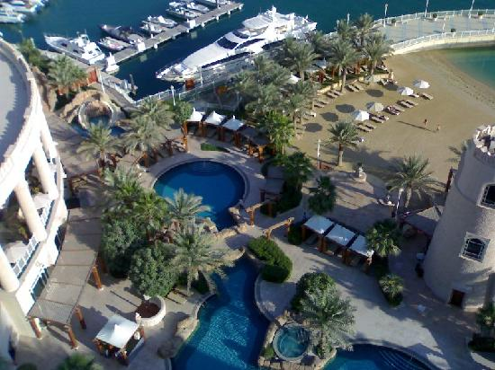 Four Seasons Hotel Doha: Beach and pool