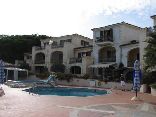 Residence Riva Azzurra: pool area