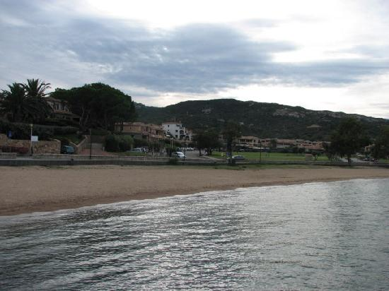 Cannigione, Italy: town beach - evening, out of season