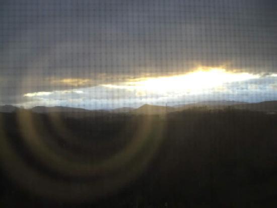 Braeside Inn: Sunrise from the Macintosh Room
