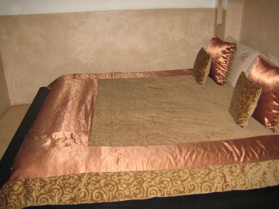 Riad des Arts: bed