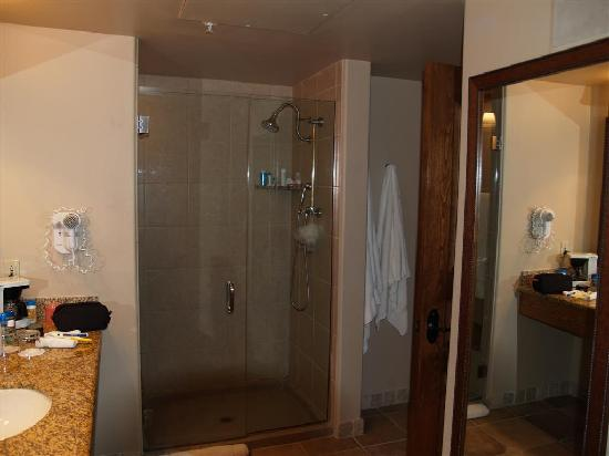 The Hacienda and Spa at Hotel Santa Fe: bathroom