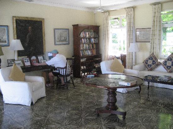 Jamaica Inn : The Library