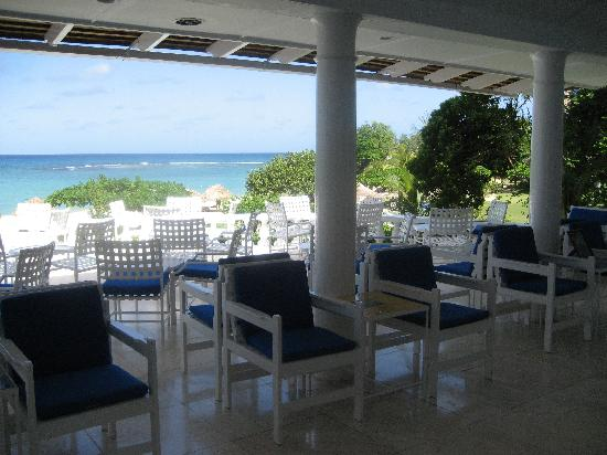 Jamaica Inn : The Bar Veranda