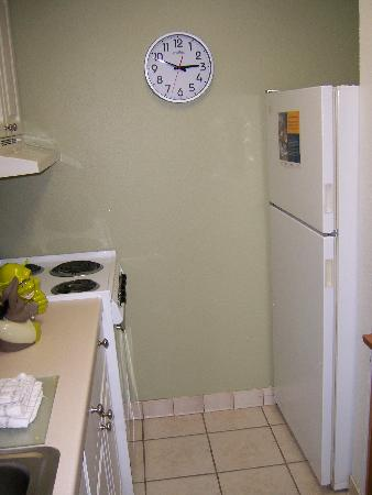 Extended Stay America - Jacksonville - Lenoir Avenue South: Kitchenette