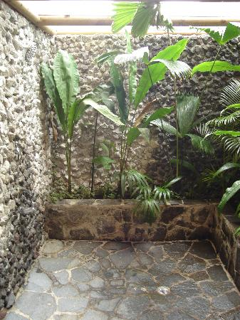 Garden Shower Picture of Lost Iguana Resort Spa Arenal