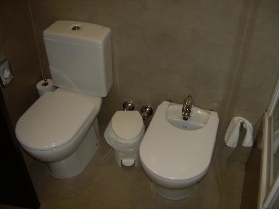 Hotel Molina Lario: Particolare del bagno