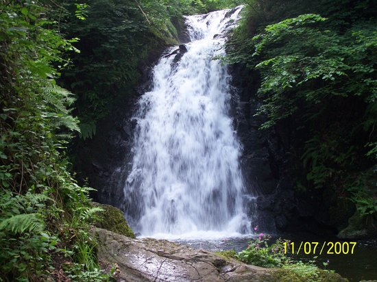 Larne, UK: glenoe waterfall