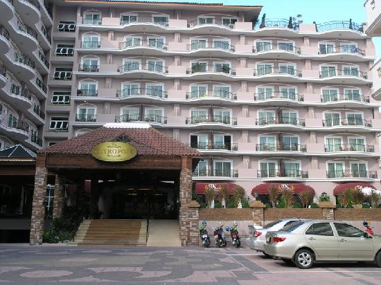 โรงแรมแอลเค เมโทรโปล: The entrance