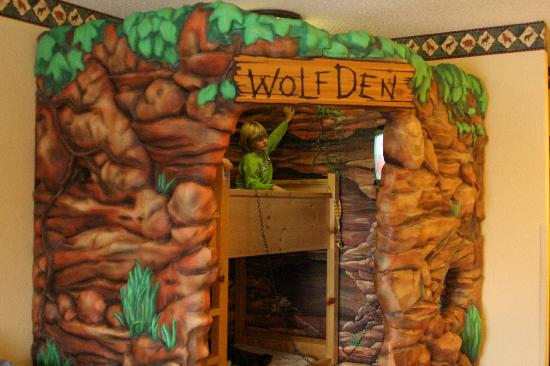 Great Wolf Lodge: bunk beds in wolf den