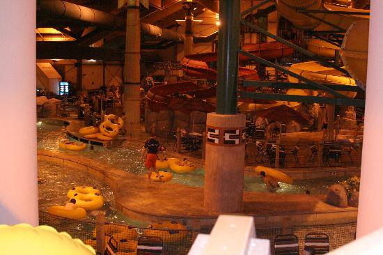 Great Wolf Lodge: half of the park