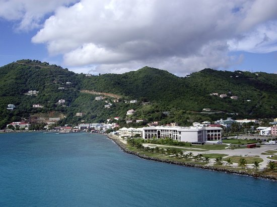 Tortola : First view from cruise ship