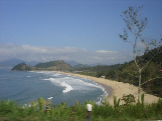 Ubatuba, SP: Beach with mountains