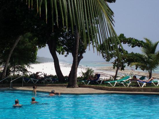 Baobab Beach Resort & Spa : piscine