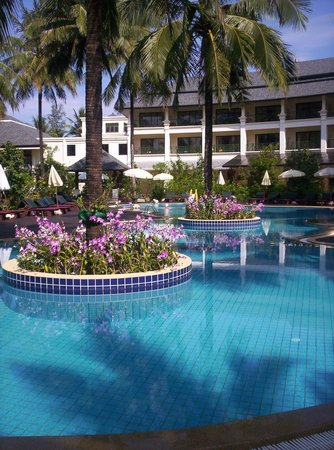 Khaolak Orchid Beach Resort: The poolarea