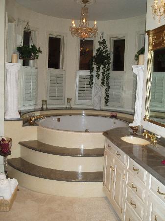 Master bedroom honeymoon suite picture of the timothy - Hotel suites nashville tn 2 bedroom ...