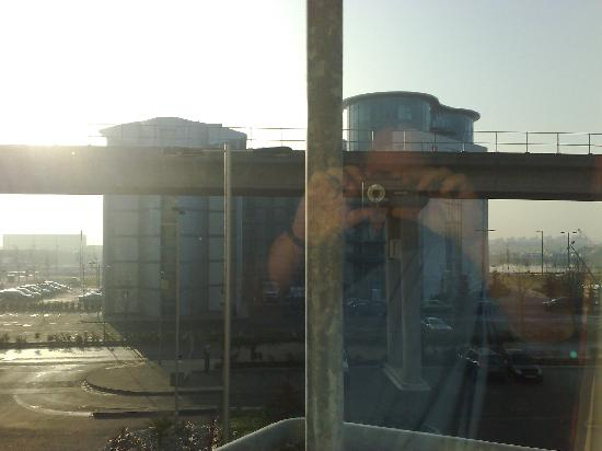 Premier Inn London Docklands (Excel) Hotel: View from 2nd floor window,including reflection!!
