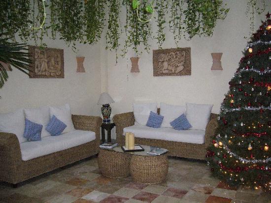 Los Itzaes Hotel : l'entrée