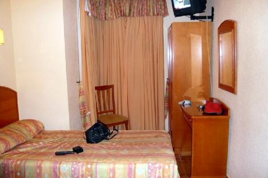 Victoria Hostal Malaga: Bedroom