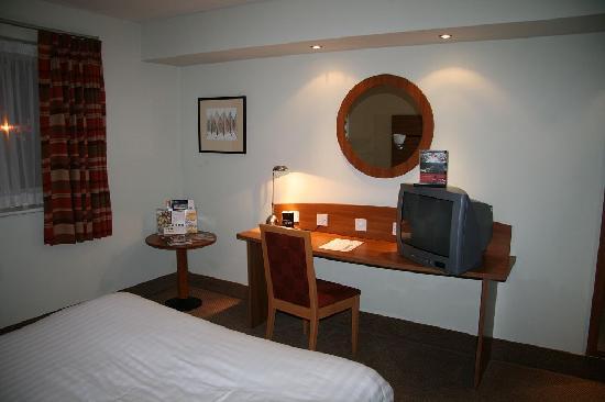 Travelodge Tewkesbury Hotel: The Room