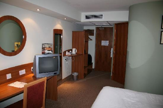 Purple Hotel: The Room