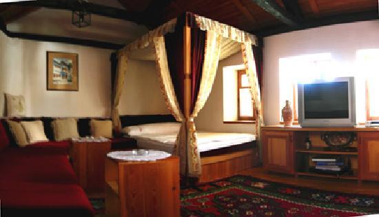 Bosnian National Monument Muslibegovic House Hotel: Room