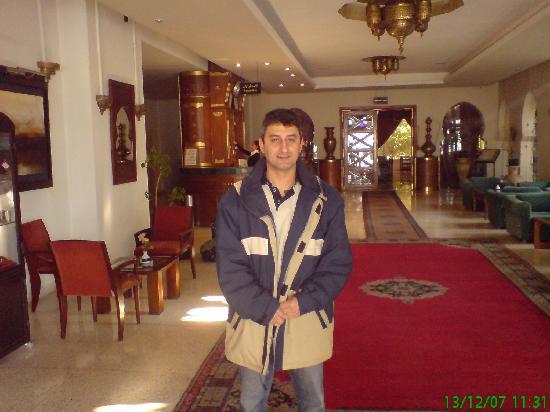 Sidi Harazem Hotel: Trés bon accueil!!